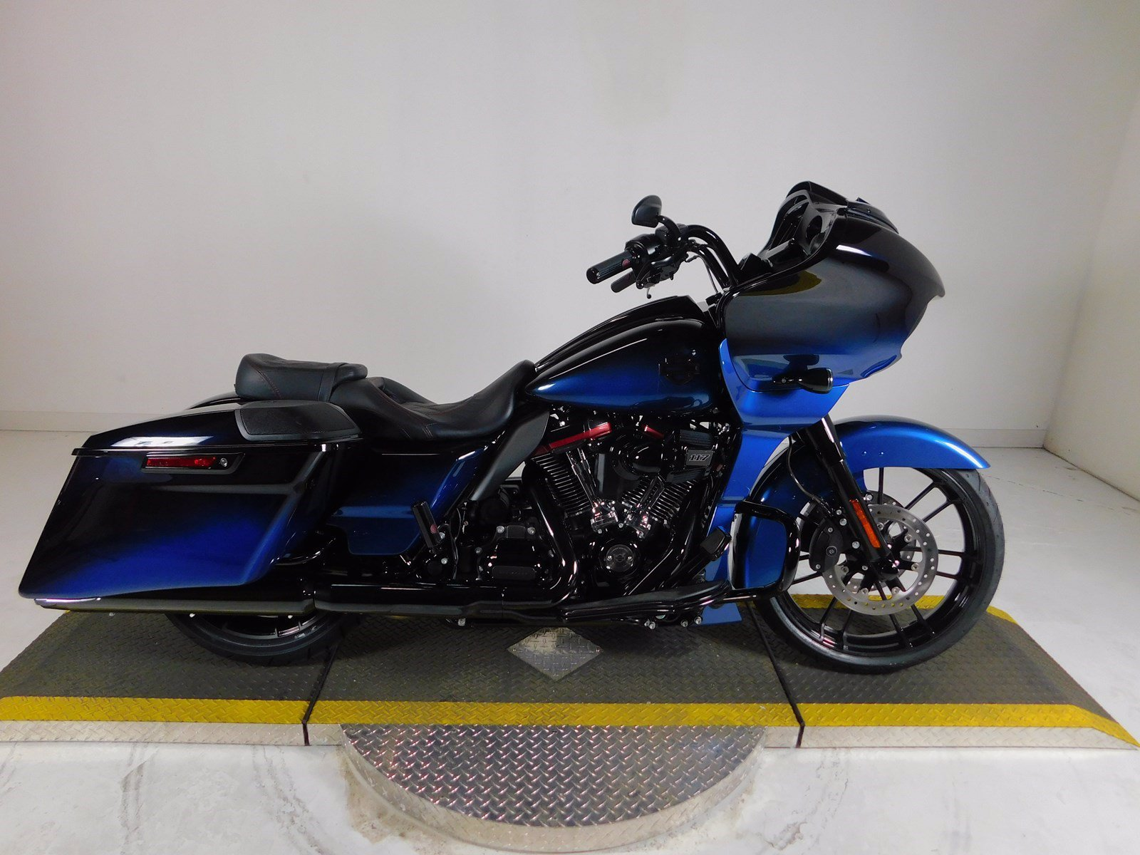 New 2019 Harley Davidson Road Glide Cvo Fltrxse Cvo Touring In Fort