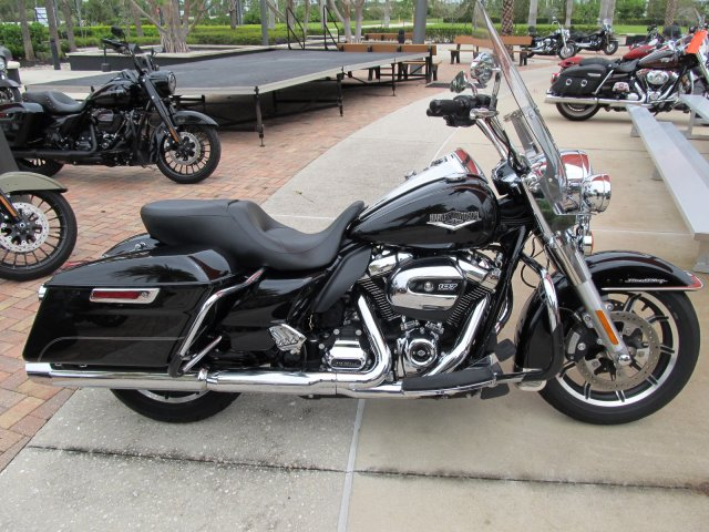 Pre-Owned 2017 Harley-Davidson Road King FLHR Touring in