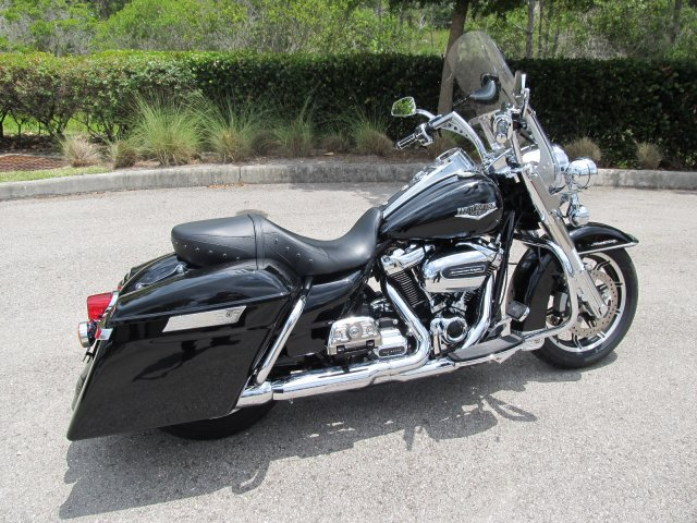 Pre-Owned 2017 Harley-Davidson Road King FLHR Touring