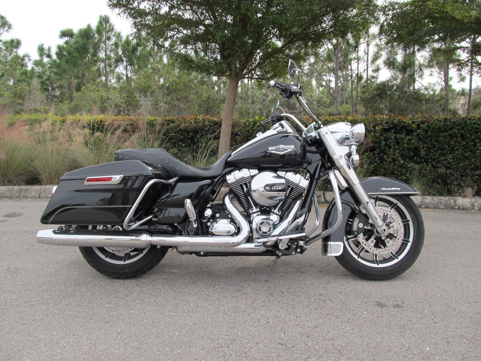 Pre-Owned 2014 Harley-Davidson Road King FLHR
