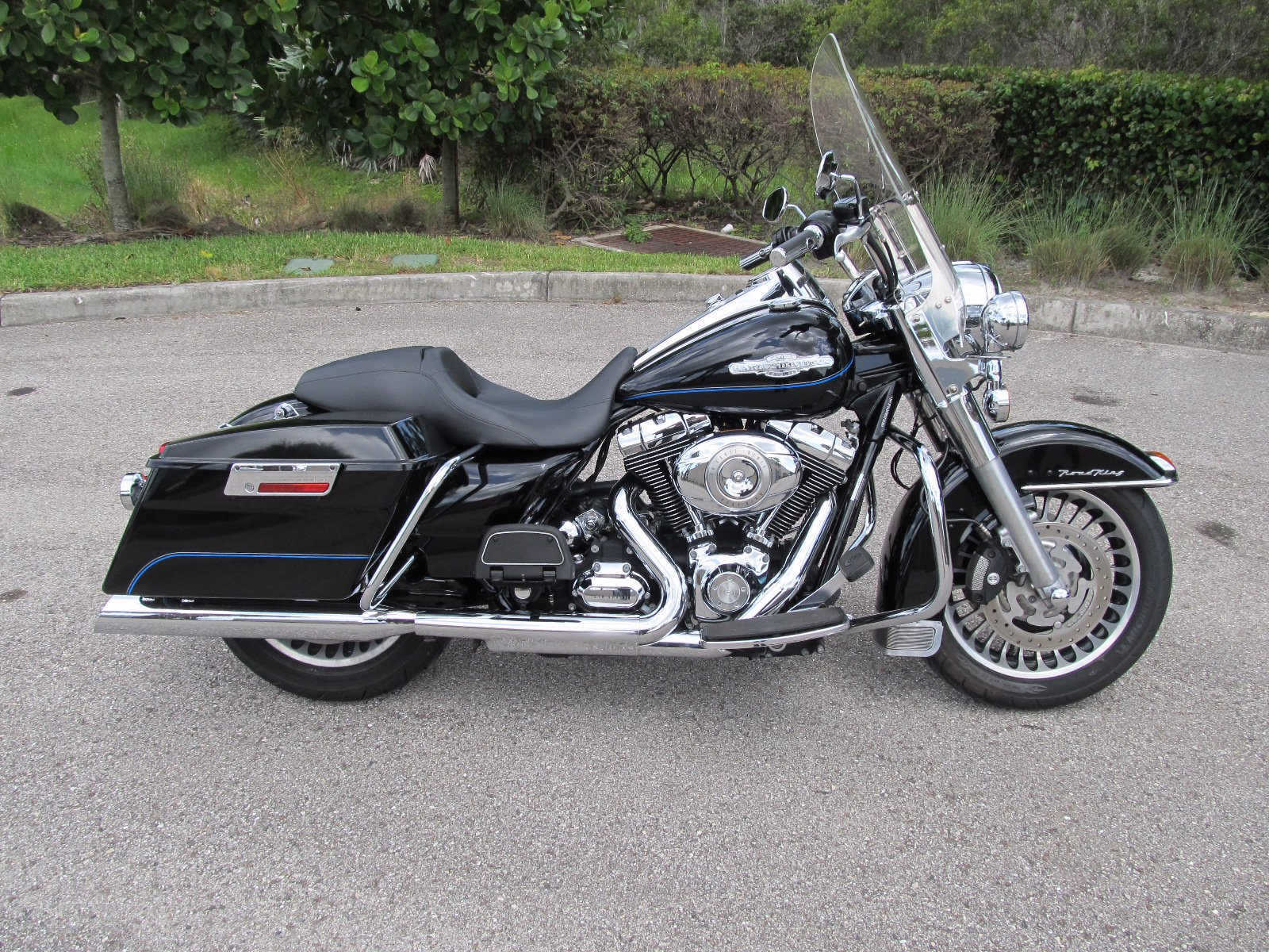 Pre-Owned 2010 Harley-Davidson Road King FLHR