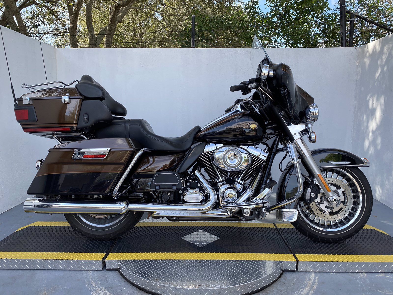 Pre-Owned 2013 Harley-Davidson Ultra Limited FLHTK