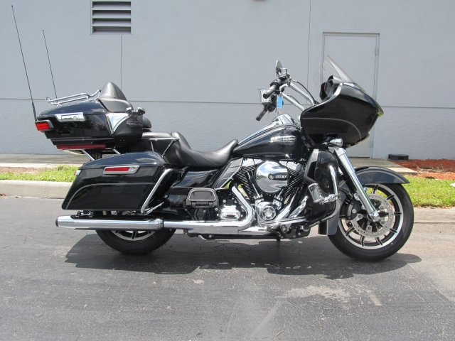 Pre-Owned 2016 Harley-Davidson Road Glide Ultra FLTRU