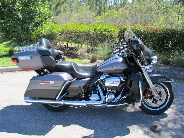 Pre-Owned 2017 Harley-Davidson Ultra Limited Low FLHTKL Touring in