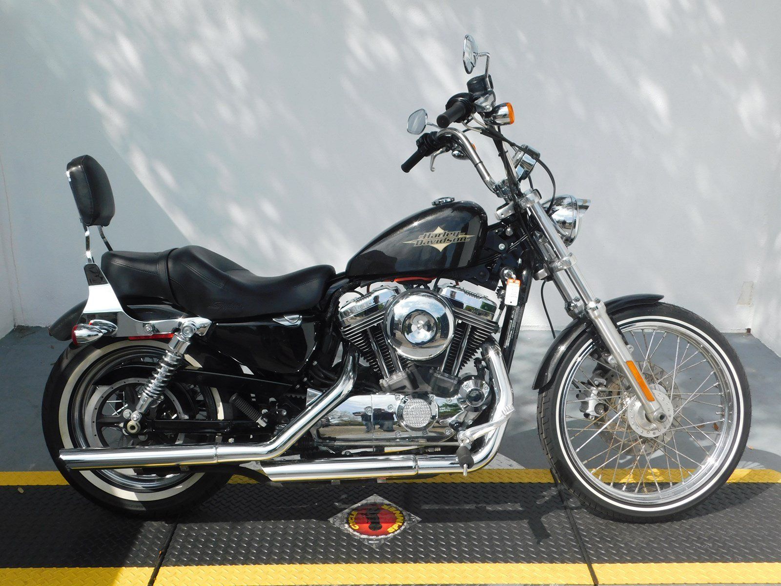 Pre-Owned 2015 Harley-Davidson Sportster Seventy-Two XL1200V