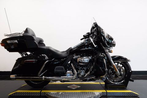 Pre-Owned 2019 Harley-Davidson Ultra Limited FLHTK